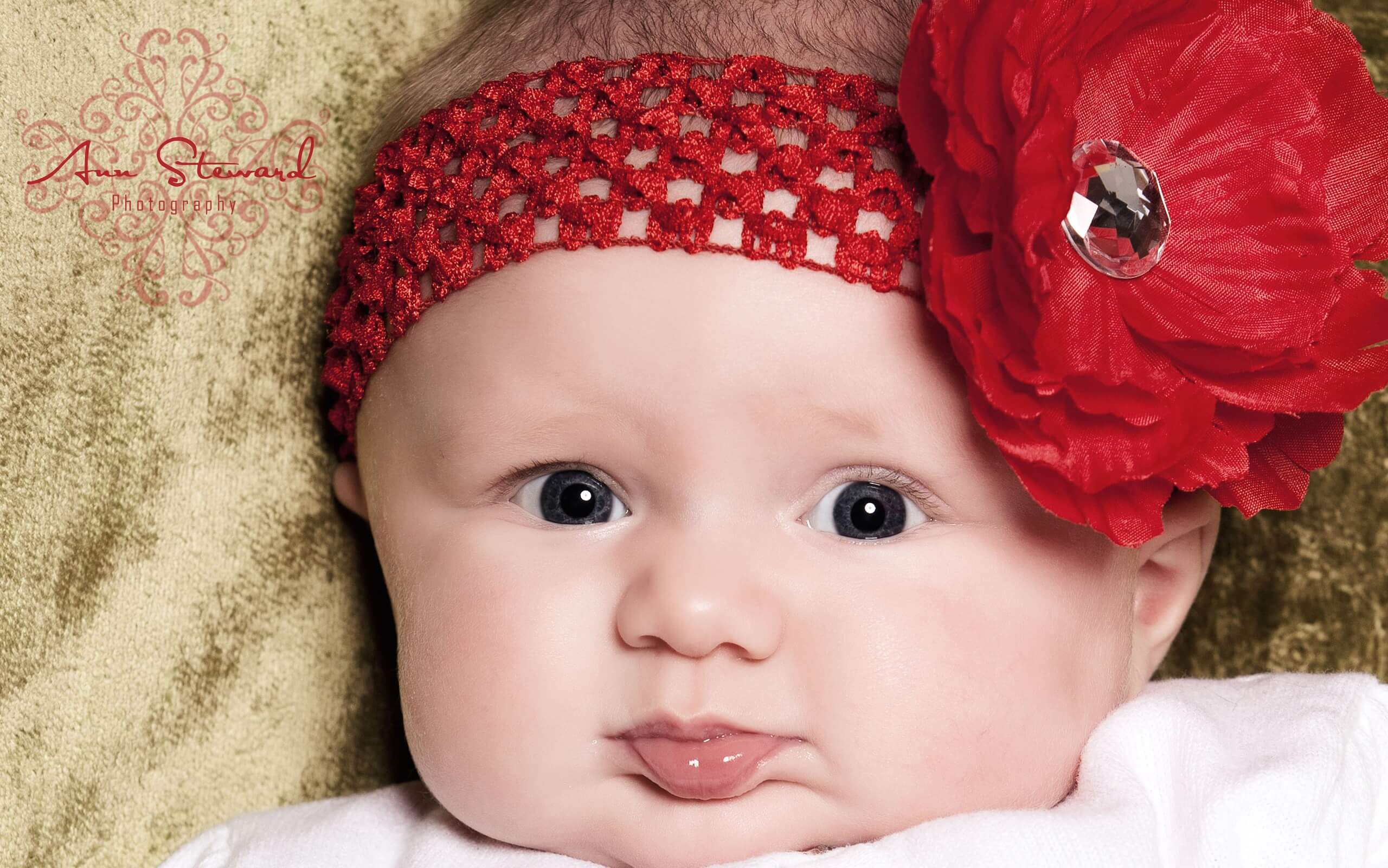 Cute Baby Photos Download Cute Baby Wallpapers   incom